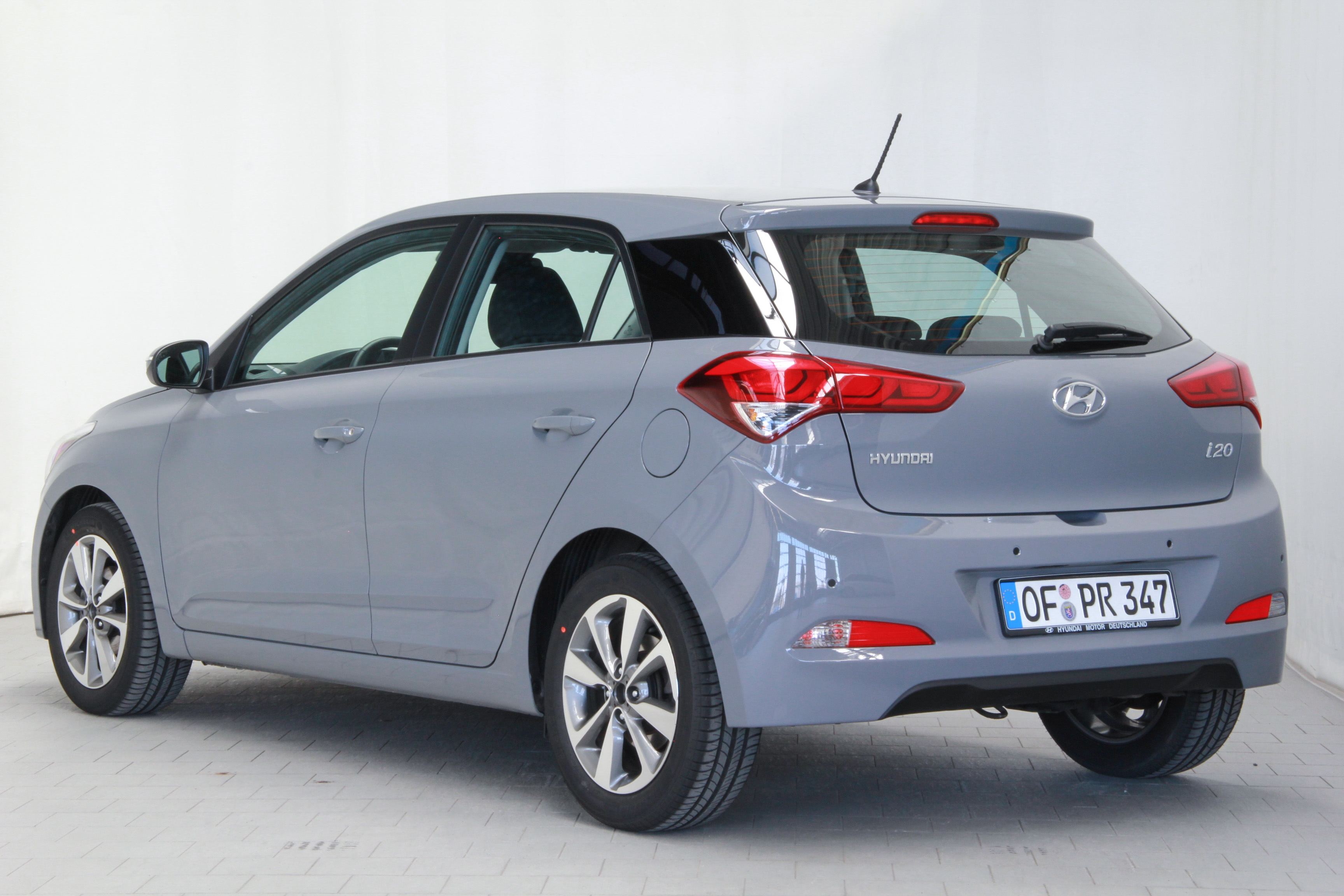 hyundai i20 1 2 test prijzen en specificaties. Black Bedroom Furniture Sets. Home Design Ideas